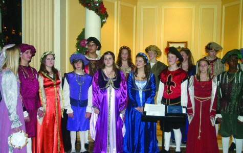 Annandale Singers Perform During the Holiday Season