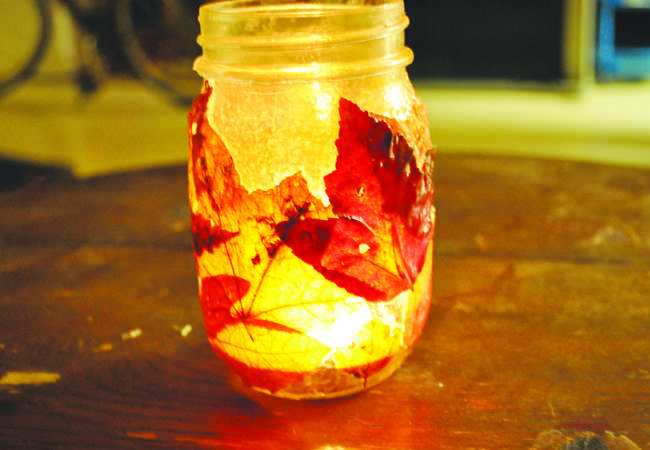 After your jar is completely dry, place a tealight inside and you're done.