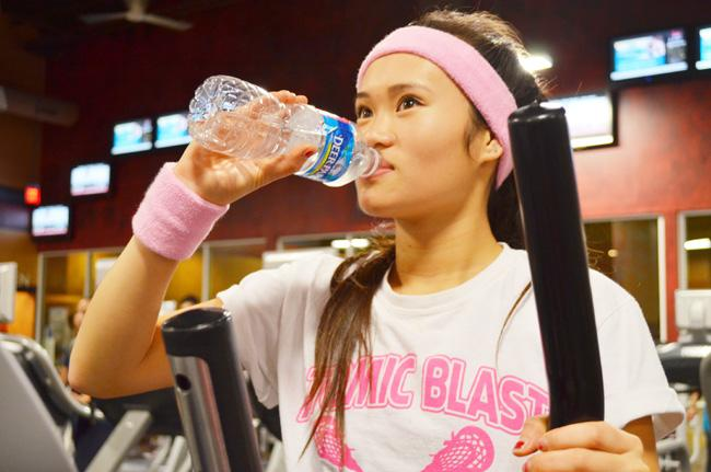 Junior Jenny Nguyen works out at a local gym in order to maintain a healthy metabolism