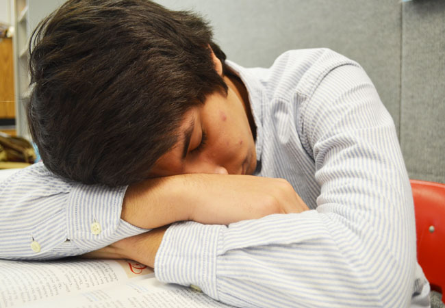 Senior Humphrey Saldia is one of many students who feel tired during the school day due to lack of sleep the night before. He says that an extra hour or two of sleep would help him to focus during classes.