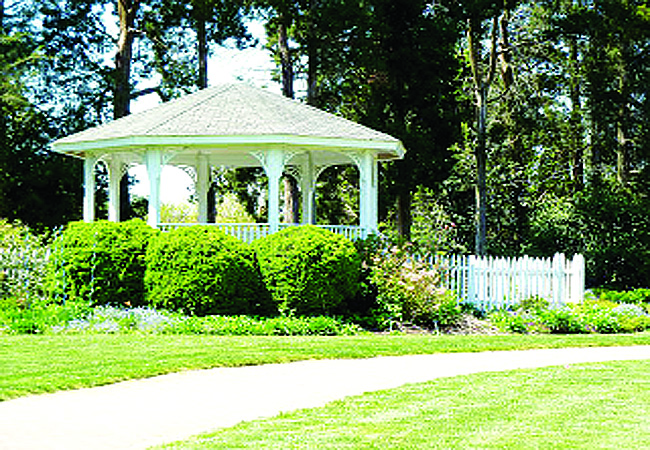 Green Spring Gardens, a scenic setting for a special day, has been reserved as a location for prom photos.