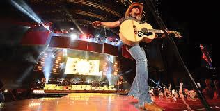 Jason Aldean performs at Jiffy Lube Live