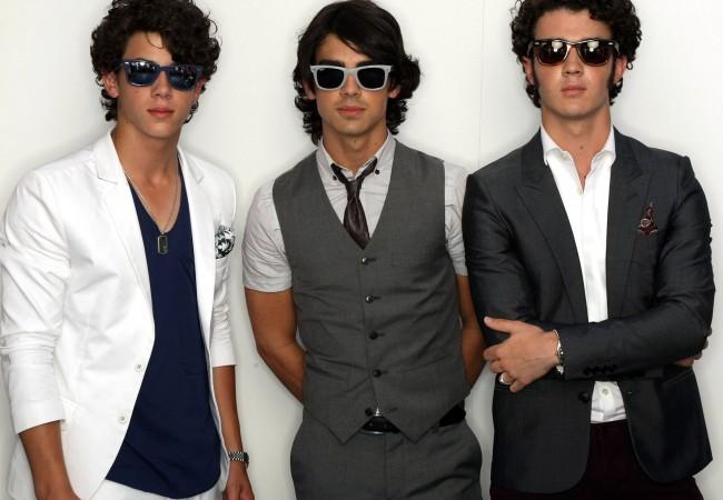 Jonas Brothers break up
