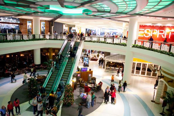 Tysons Galleria is a shopping and dining destination in an area that offers a vibrant mix of cultural and entertainment attractions. Make the most of your visit and explore a variety of .
