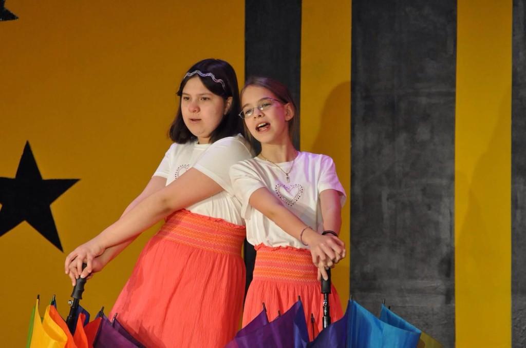 Poe Middle Schools talent show