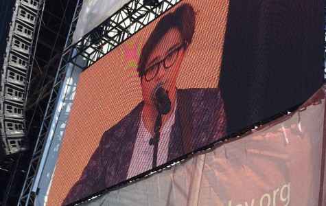Roy Kim sings to the audience during the Global Citizen 20115 Earth Day concert.