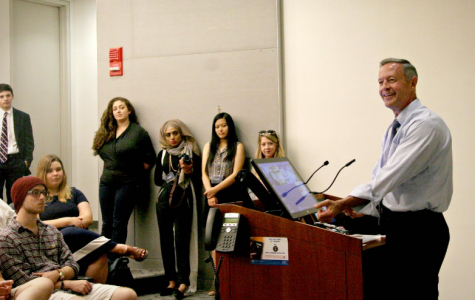 Governor Martin O'Malley gives a speech to HSDA Summit attendees