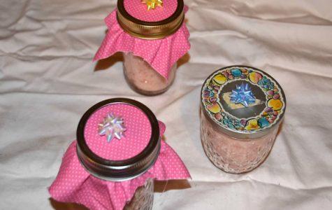 DIY with Katie : Peppermint Sugar Body Scrub