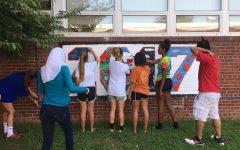 Senior class paints the courtyard