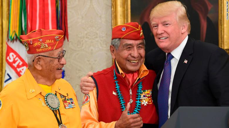 President+Trump+meets+with+veteran+Navajo+code+talkers+and+makes+a+joke+about+%22Pocahontas%22