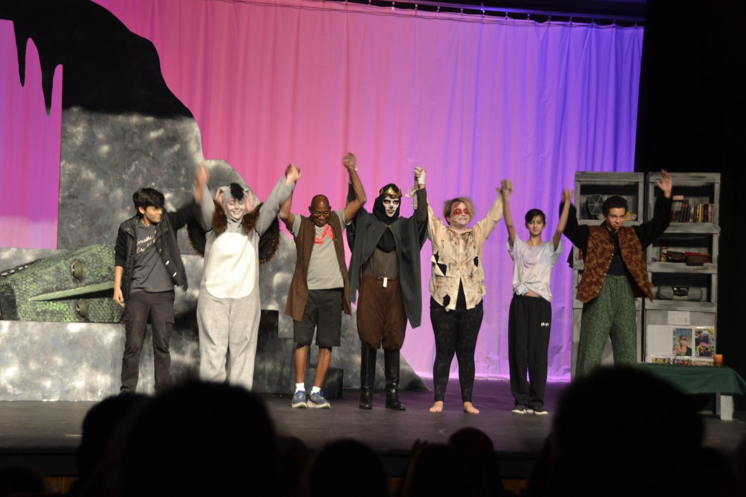 The+first+group+of+the+cast+comes+out%2C+signifying+the+ending+of+an+amazing+show.