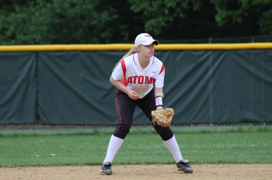 Senior+shortstop+Elizabeth+Corcoran+prepares+to+field+the+ball+during+practice.