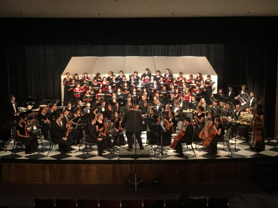 The+Annandale+Singers%2C+Combined+Women%27s+Chorus%2C+Philharmonic+Strings+and+Wind+Ensemble+perform+at+the+Trilogy+Ensemble+Concert.