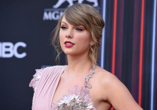 On Oct. 7, Swift announced she'd be voting for Phil Bredesen for senate.