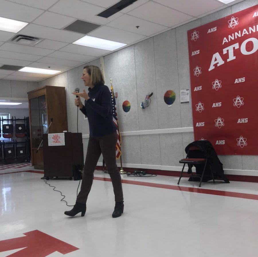 Actress Kim Schraf visits AHS