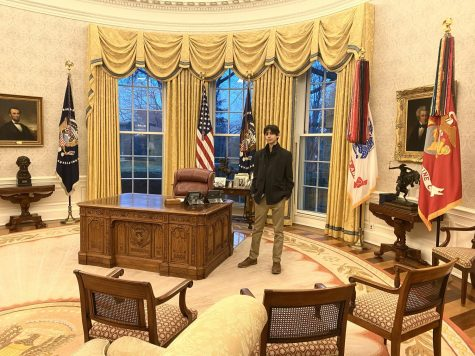 Senior Nareg Boghosian visits the Oval Office with his mother in the final days of the Trump administration.