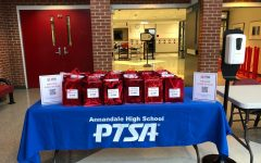 The PTSA distributed gift bags to visiting students during the orientation.