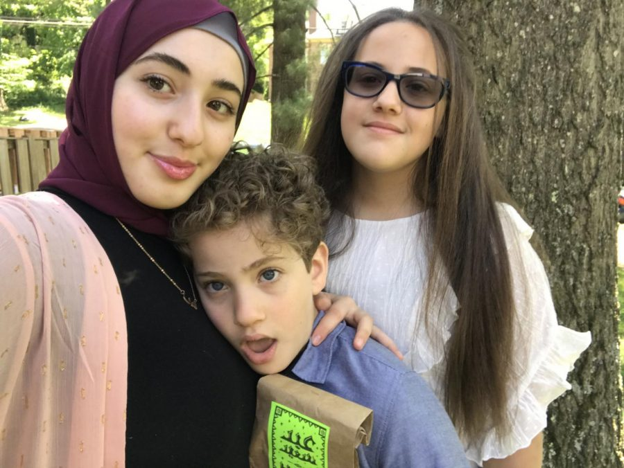 Alawneh poses with her family.