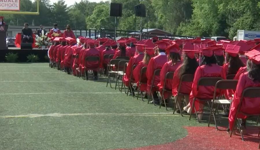 Mario Villanueva Ramos inspires graduates